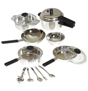 Casdon Little Cook Pan Set