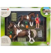 Horse Feeding Playset