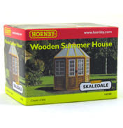 Wooden Summer House R8988